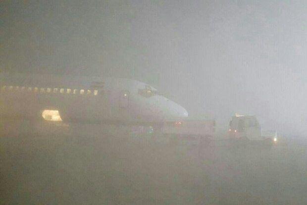 خبرنگاران مه شدید باعث تاخیر بعضی پروازهای فرودگاه شیراز شد